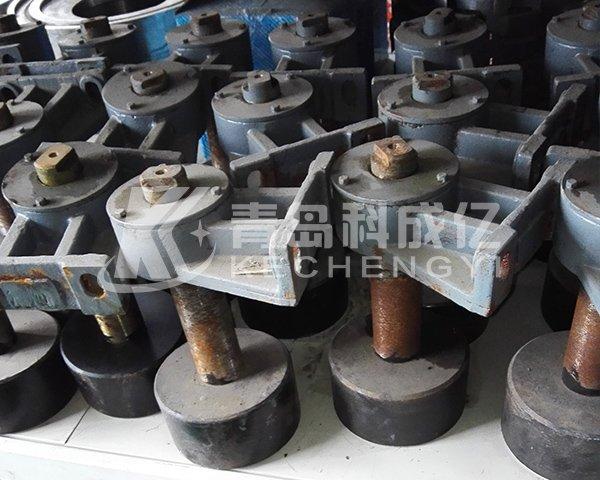 Steel bhendi irikupa nechepazasi ichitsigira chinotenderera