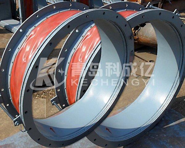 Non-metallic circular compensator